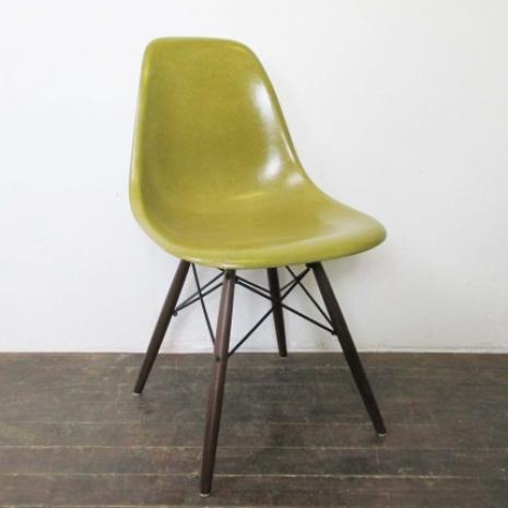 Eames Herman Miller DSW Side Chair In Light Olive Green