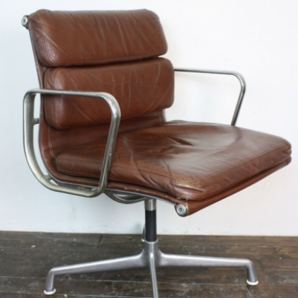 Superbe Zoom Eames Herman Miller Brown Leather Soft Pad Group Chair