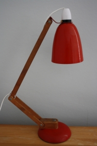 Vintage Maclamp in red with wooden arm