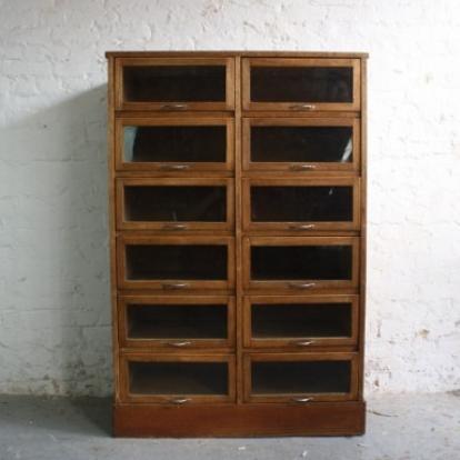 Merveilleux Vintage Oak 1920/30s 12 Drawer Haberdashery Cabinet