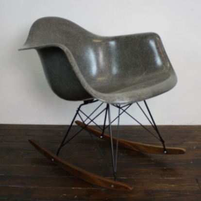 Zoom Eames Herman Miller RAR Rocking Chair In Elephant Hide Grey On Black  Base