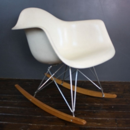 Zoom Eames Herman Miller RAR Rocking Chair In Off White Parchment