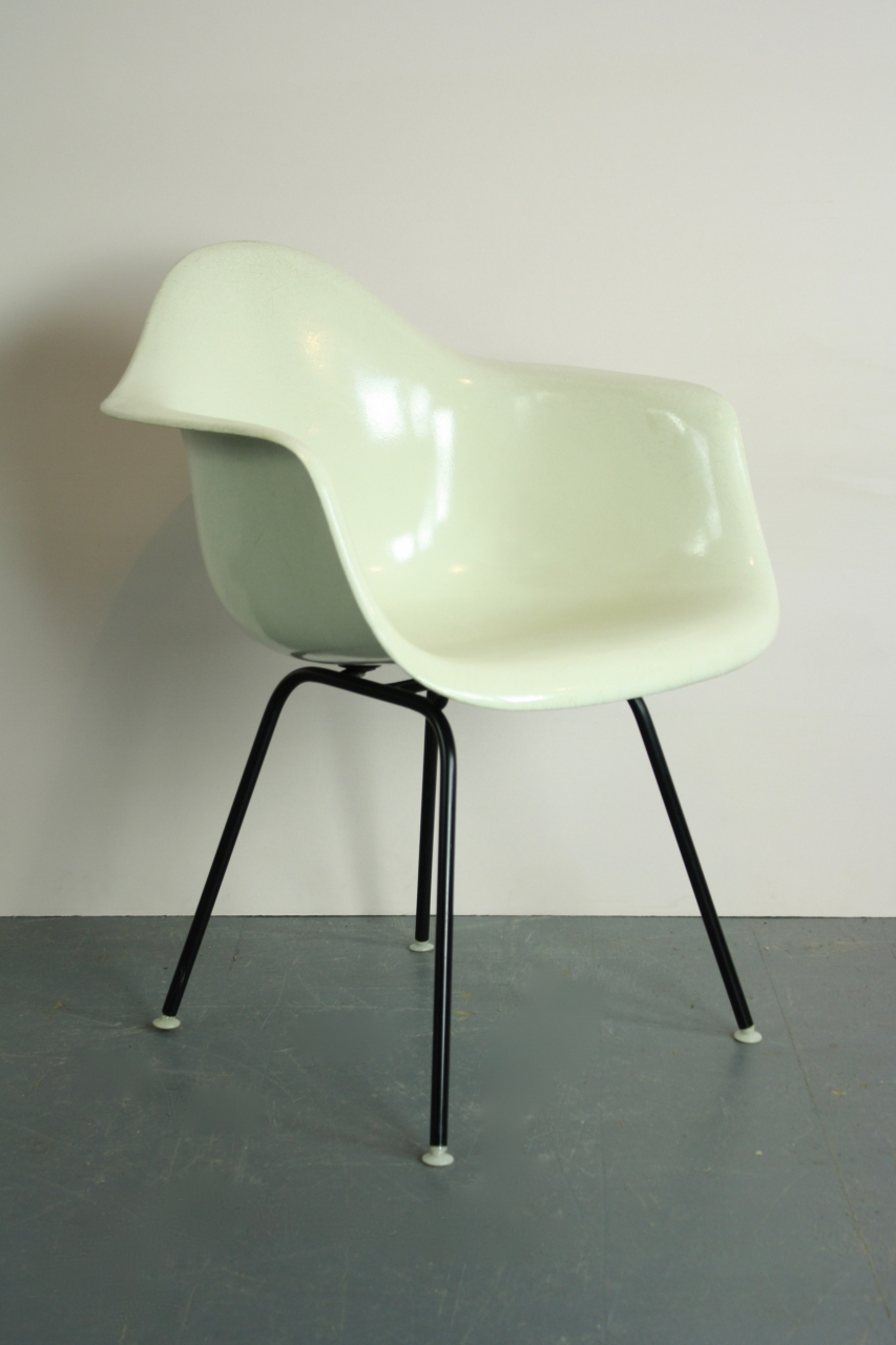 Eames England Ames: Eames Herman Miller LAX Chair In Parchment