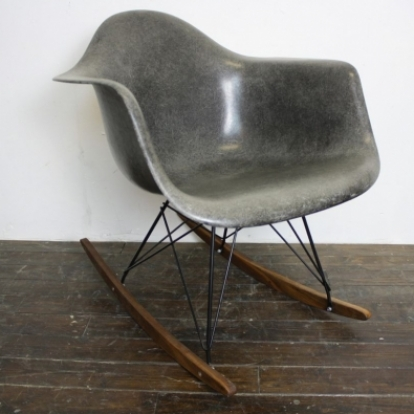 Ordinaire Zoom Eames Herman Miller RAR Rocking Chair In Elephant Hide Grey On Black  Base