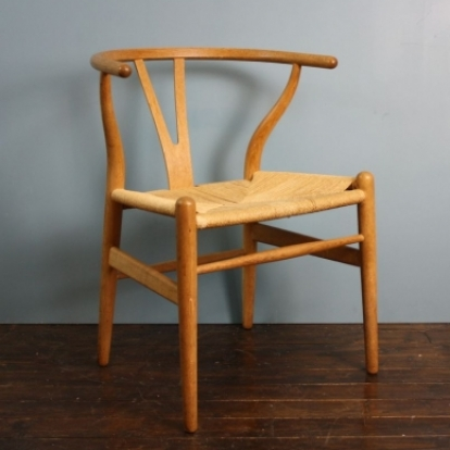 vintage hans wegner wishbone y chair in oak 1 of 2 lovely and company. Black Bedroom Furniture Sets. Home Design Ideas