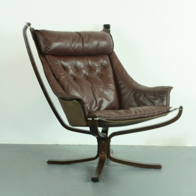 Remarkable Vintage Brown Leather High Back Winged Falcon Chair Designed By Sigurd Resell Lovely And Company Gamerscity Chair Design For Home Gamerscityorg
